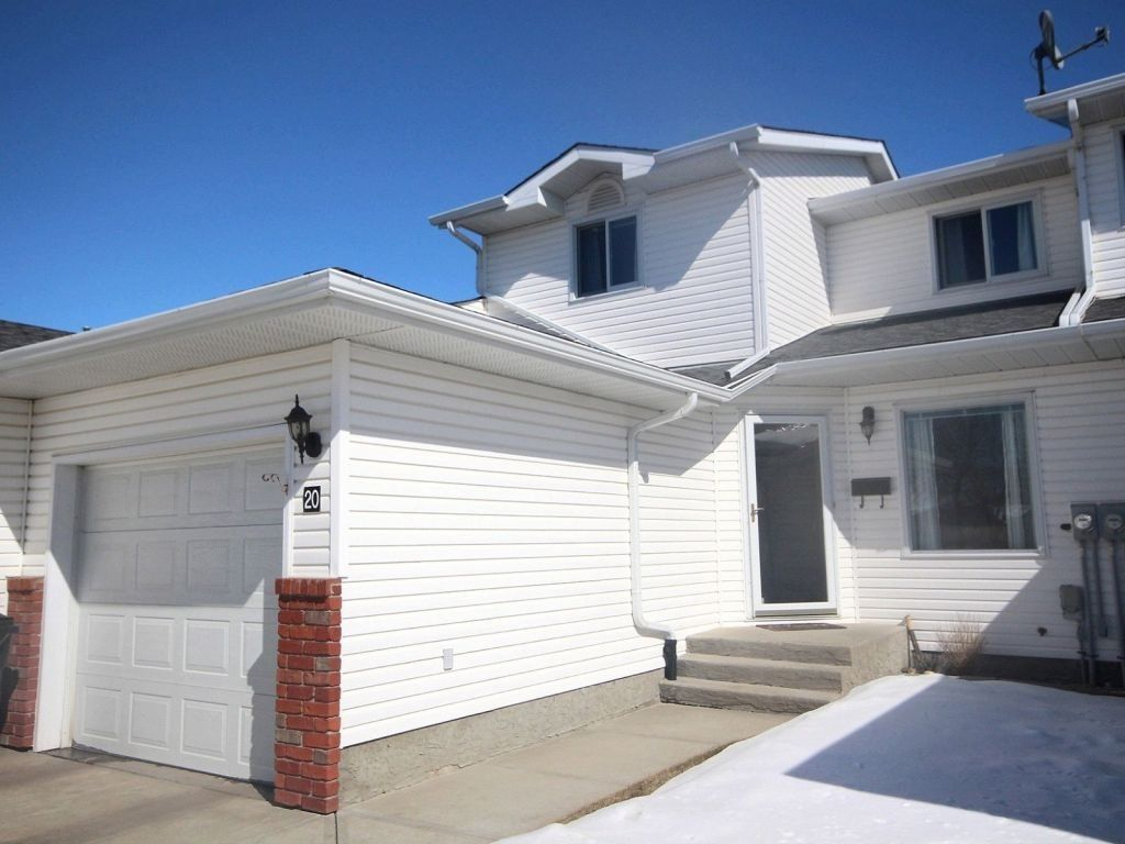 Main Photo: 20 10 Ritchie Way: Sherwood Park Townhouse for sale : MLS®# E4103945