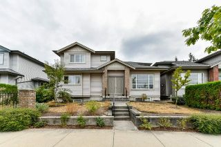 "Main Photo: 9 6116 128 Street in Surrey: Panorama Ridge Townhouse for sale in ""PANORAMA PLATEAU"" : MLS®# R2299398"