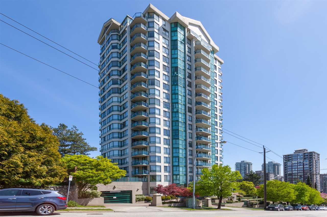 "Main Photo: 1702 121 TENTH Street in New Westminster: Uptown NW Condo for sale in ""VISTA ROYALE"" : MLS®# R2300815"