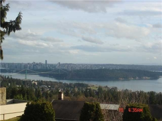 "Main Photo: 1402 CAMELOT Road in West Vancouver: Chartwell House for sale in ""Chartwell"" : MLS(r) # V875570"