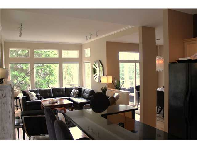 Photo 3: 8 MOSSOM CREEK Drive in Port Moody: North Shore Pt Moody House 1/2 Duplex for sale : MLS(r) # V882880