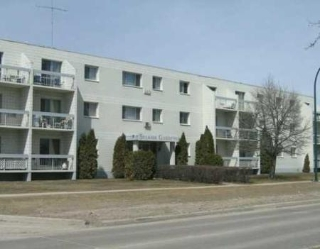 Main Photo: 204-65 Min St.: Condominium for sale (Canada)  : MLS® # 2817854