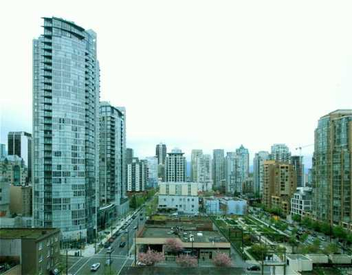 "Main Photo: 707 1238 SEYMOUR ST in Vancouver: Downtown VW Condo for sale in ""SPACE"" (Vancouver West)  : MLS® # V586188"