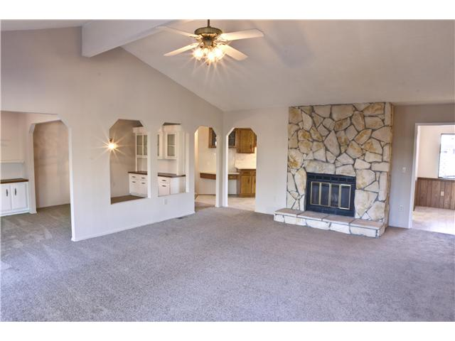 Photo 7: CARLSBAD WEST Residential for sale : 3 bedrooms : 5427 Kipling Ln in Carlsbad
