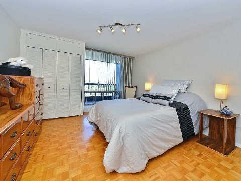 Photo 6: 3 135 Antibes Drive in Toronto: Westminster-Branson Condo for sale (Toronto C07)  : MLS® # C2747625