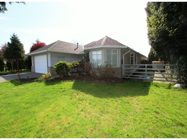 Photo 2: 6393 190TH Street in Surrey: Cloverdale BC House for sale (Cloverdale)  : MLS(r) # F1405826