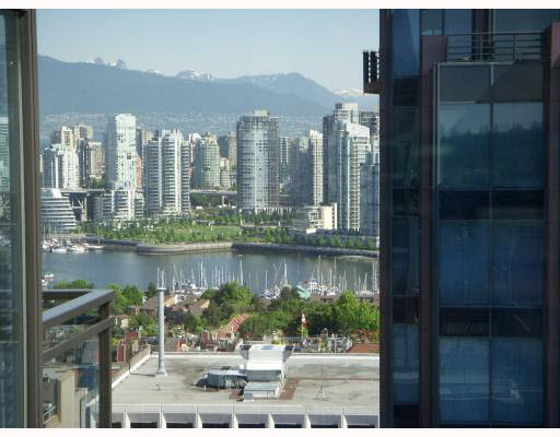 "Photo 14: 1009 1068 W BROADWAY in Vancouver: Fairview VW Condo for sale in ""THE ZONE"" (Vancouver West)  : MLS(r) # V1105266"