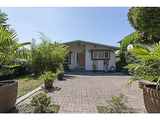 Main Photo: 1860 ISLAND Avenue in Vancouver: Fraserview VE House for sale (Vancouver East)  : MLS®# V1128995