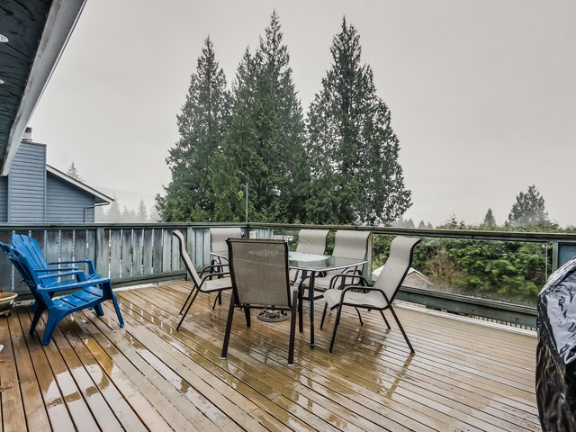 Photo 10: 1375 BORTHWICK Road in North Vancouver: Lynn Valley House for sale : MLS(r) # R2023130