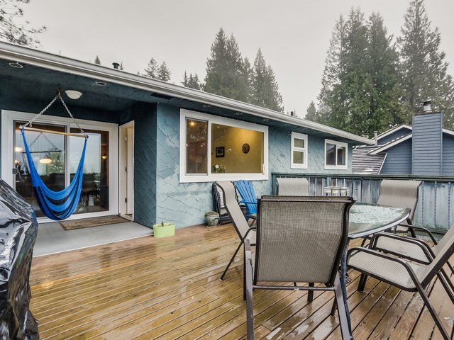 Photo 11: 1375 BORTHWICK Road in North Vancouver: Lynn Valley House for sale : MLS(r) # R2023130