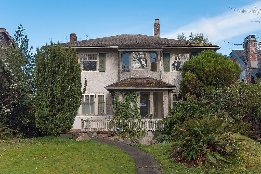 Main Photo: 3929 W 13TH Avenue in Vancouver: Point Grey House for sale (Vancouver West)  : MLS(r) # R2047305