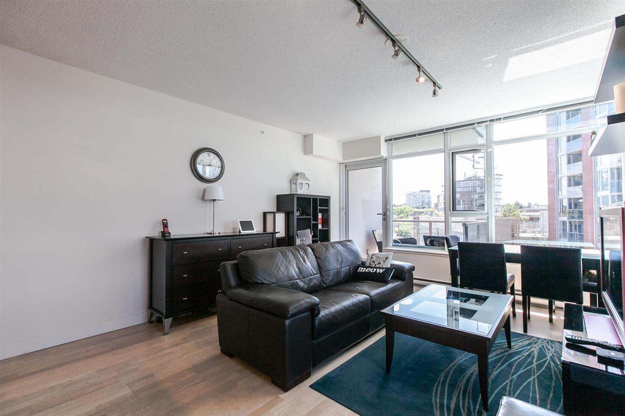 "Main Photo: 807 251 E 7TH Avenue in Vancouver: Mount Pleasant VE Condo for sale in ""THE DISTRICT"" (Vancouver East)  : MLS® # R2076254"