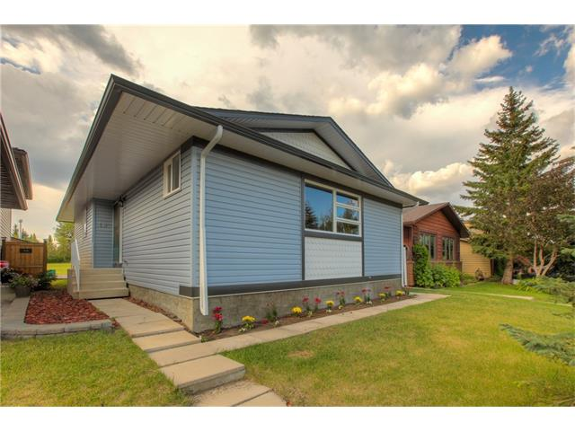 Photo 2: 48 CEDARBROOK Way SW in Calgary: Cedarbrae House for sale : MLS(r) # C4071343