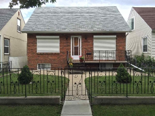 Main Photo: 11627 87 Street in Edmonton: Zone 05 House for sale : MLS(r) # E4029983