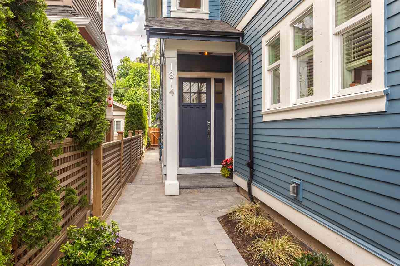 "Photo 2: 1814 CHARLES Street in Vancouver: Grandview VE House 1/2 Duplex for sale in ""COMMERCIAL DRIVE"" (Vancouver East)  : MLS® # R2092106"