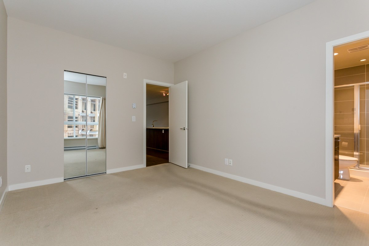 "Photo 11: 305 6460 194 Street in Surrey: Clayton Condo for sale in ""Waterstone"" (Cloverdale)  : MLS(r) # R2132269"