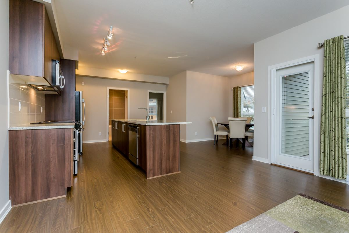 "Photo 8: 305 6460 194 Street in Surrey: Clayton Condo for sale in ""Waterstone"" (Cloverdale)  : MLS(r) # R2132269"