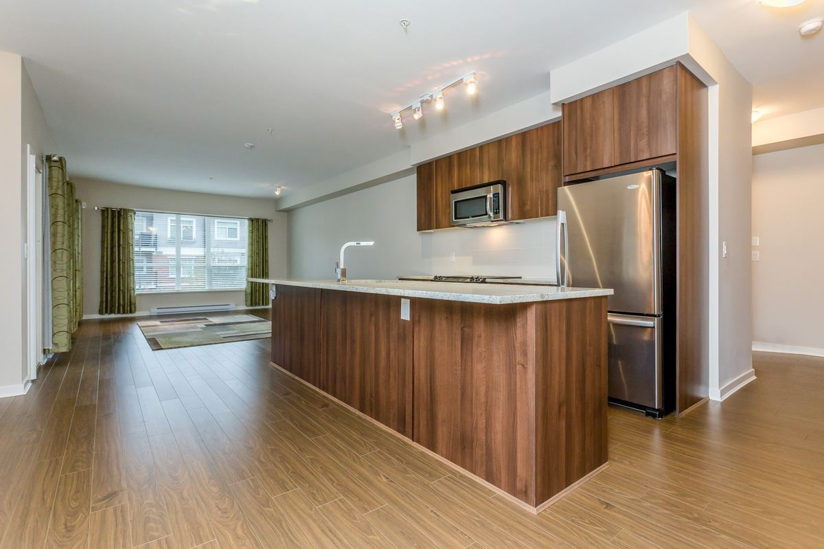 "Photo 2: 305 6460 194 Street in Surrey: Clayton Condo for sale in ""Waterstone"" (Cloverdale)  : MLS(r) # R2132269"