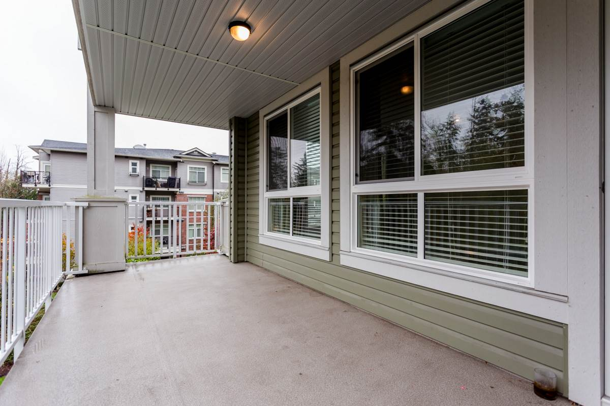 "Photo 10: 305 6460 194 Street in Surrey: Clayton Condo for sale in ""Waterstone"" (Cloverdale)  : MLS(r) # R2132269"