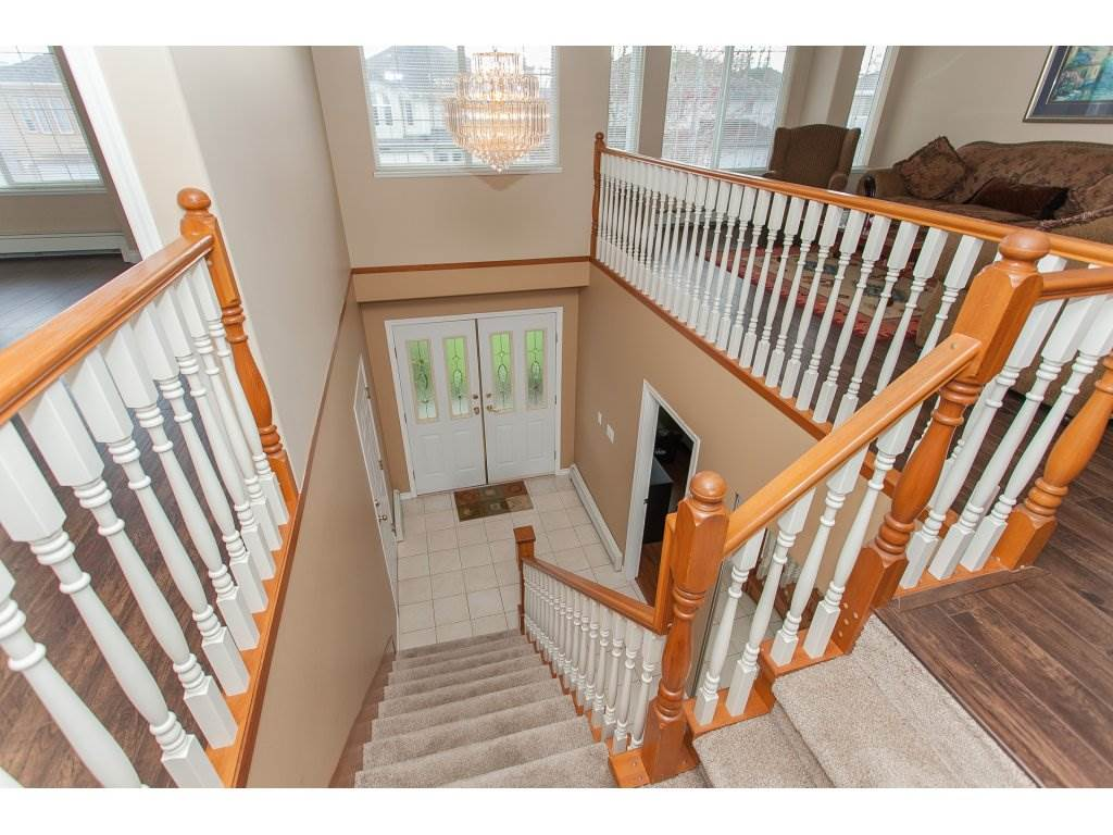 Photo 3: 3555 VIEWMOUNT Place in Abbotsford: Abbotsford West House for sale : MLS(r) # R2153060