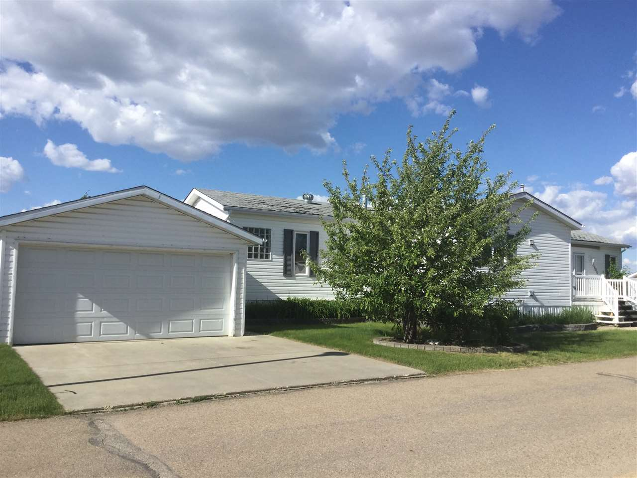 Main Photo: 2806 10770 Winterburn Road in Edmonton: Zone 59 Mobile for sale : MLS® # E4067977