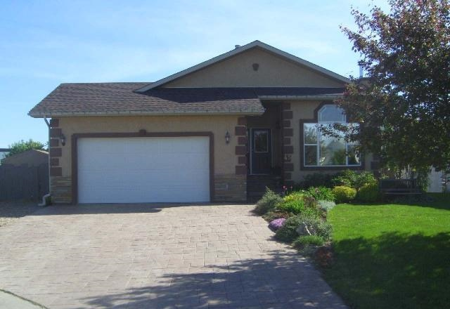 Main Photo: 45 Stephen's Crescent in Whitecourt: House for sale : MLS® # 43705