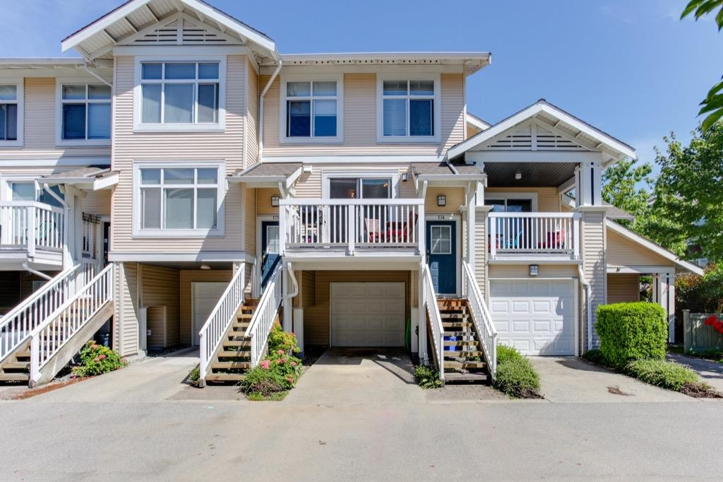 Main Photo: 174 20033 70 Avenue in Langley: Willoughby Heights Townhouse for sale : MLS® # R2185208