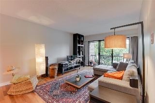 "Main Photo: 208 3787 W 4TH Avenue in Vancouver: Kitsilano Condo for sale in ""Andrea Apartments Ltd."" (Vancouver West)  : MLS® # R2191070"