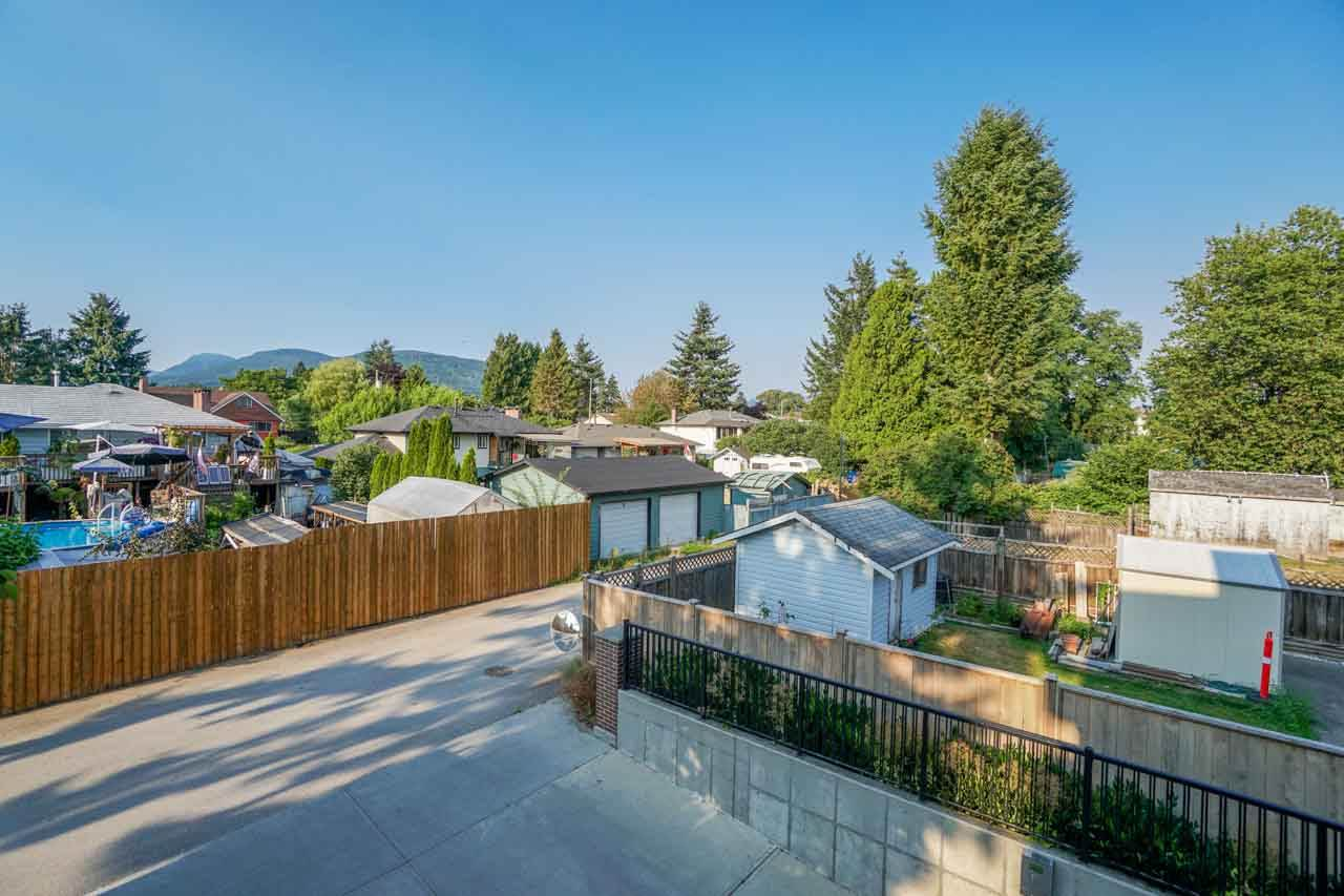Photo 18: 201 2175 FRASER Avenue in Port Coquitlam: Glenwood PQ Condo for sale : MLS® # R2193836