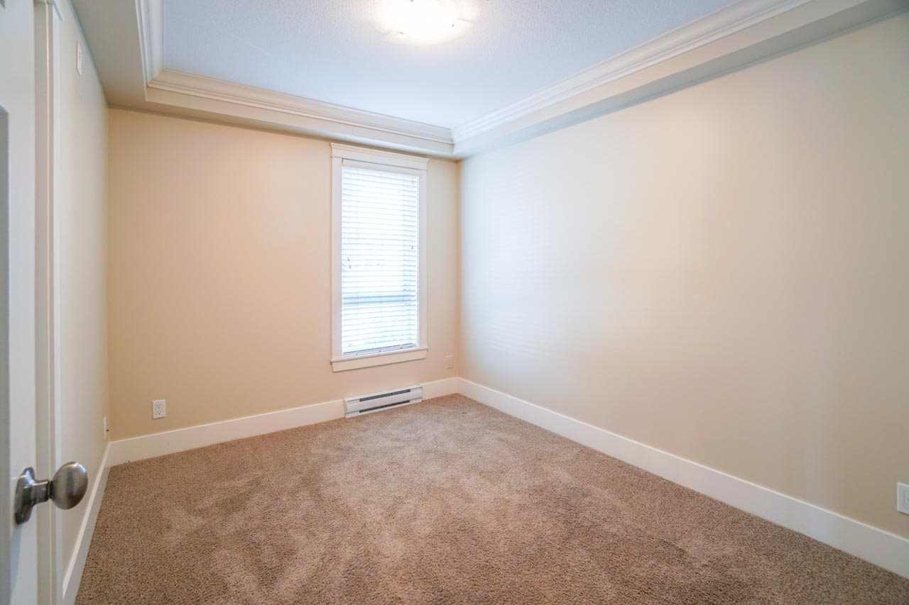 Photo 6: 201 2175 FRASER Avenue in Port Coquitlam: Glenwood PQ Condo for sale : MLS® # R2193836