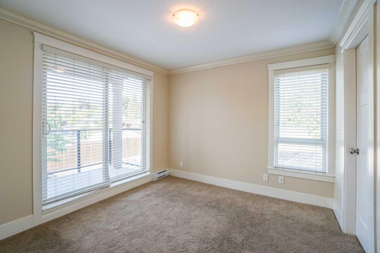 Photo 2: 201 2175 FRASER Avenue in Port Coquitlam: Glenwood PQ Condo for sale : MLS® # R2193836