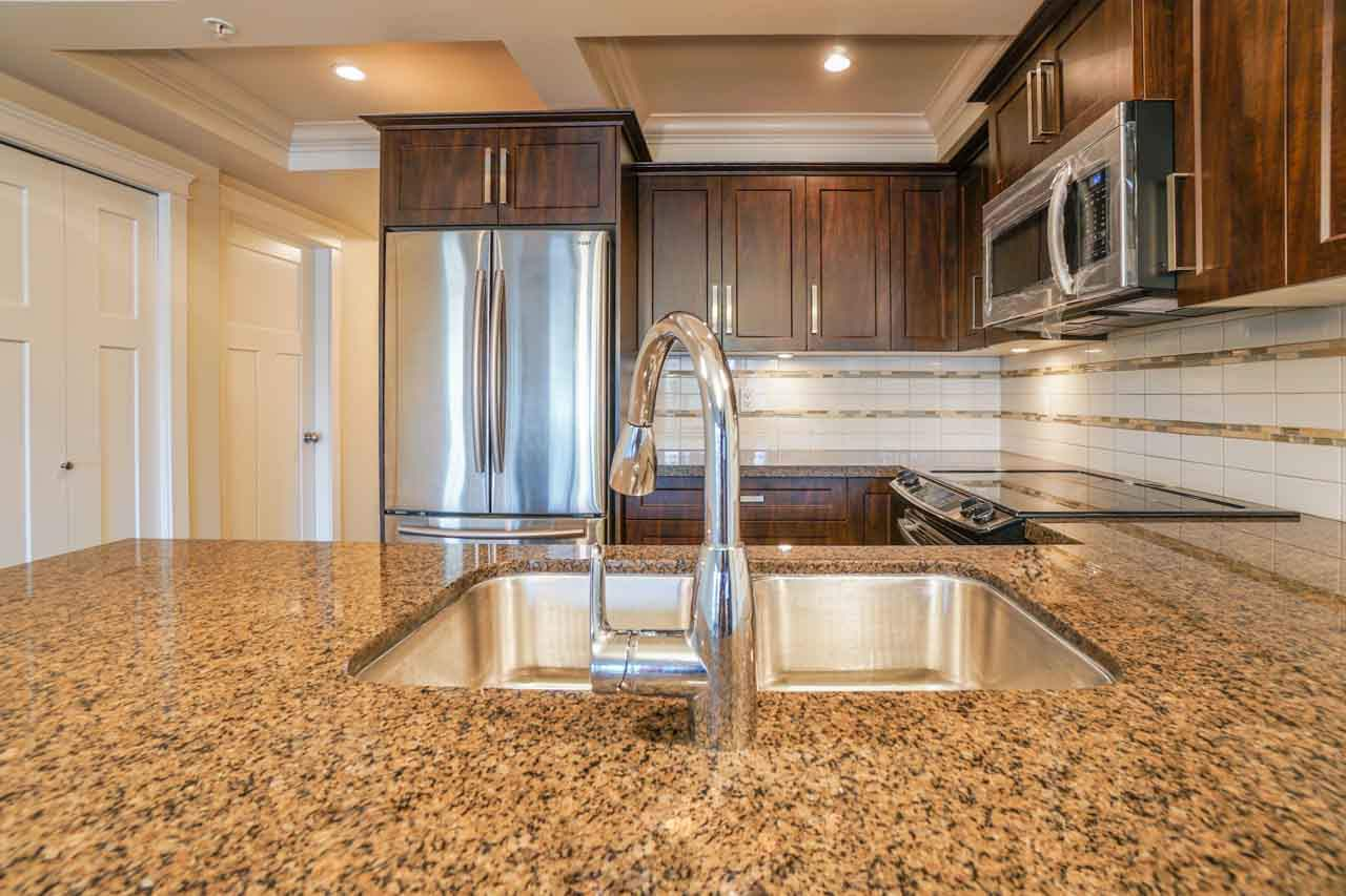 Photo 13: 201 2175 FRASER Avenue in Port Coquitlam: Glenwood PQ Condo for sale : MLS® # R2193836