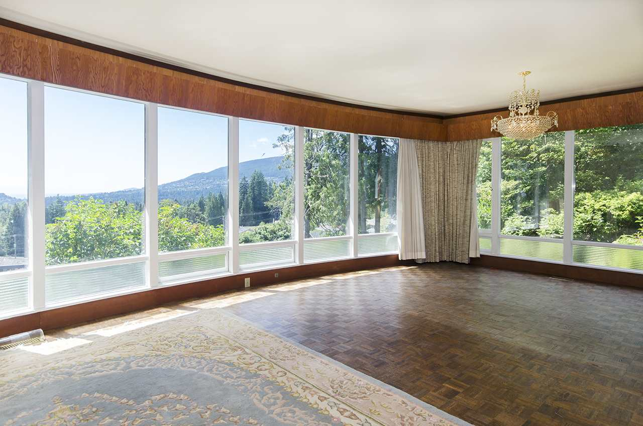 Photo 7: 231 W BALMORAL ROAD in North Vancouver: Upper Lonsdale House for sale : MLS® # R2190109