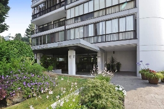 Main Photo: 1404 650 16TH STREET in West Vancouver: Ambleside Condo for sale : MLS®# R2193935