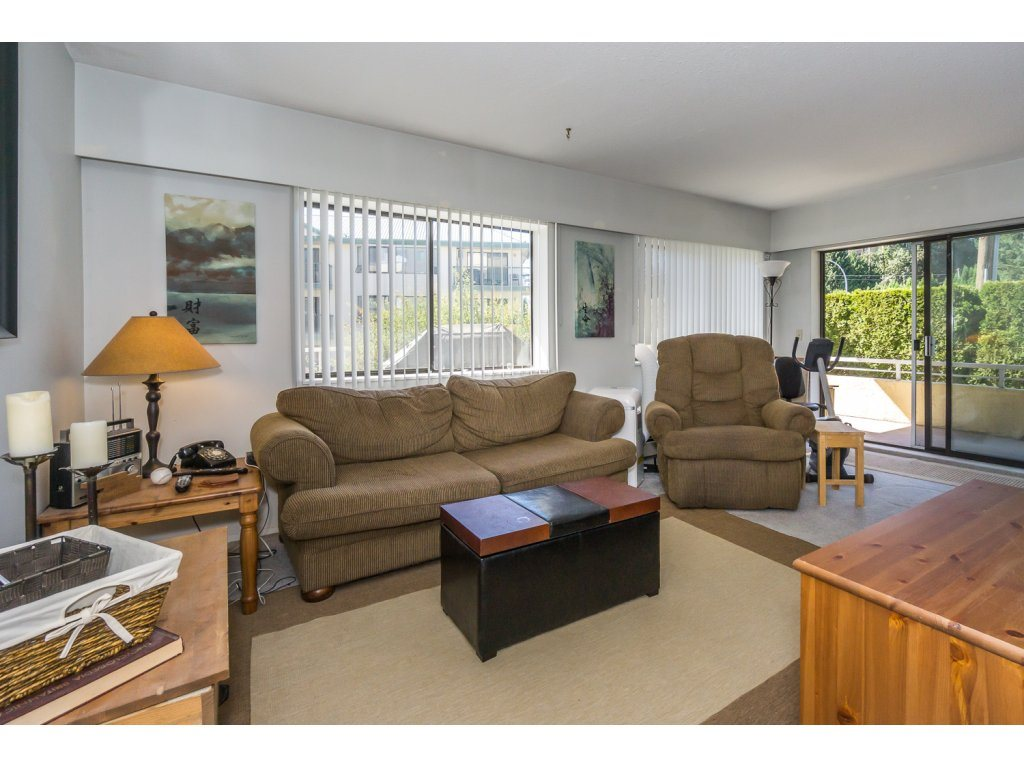 "Photo 3: 101 2684 MCCALLUM Road in Abbotsford: Central Abbotsford Condo for sale in ""RIDGEVIEW"" : MLS® # R2200325"