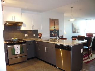 "Main Photo: 906 14 BEGBIE Street in New Westminster: Quay Condo for sale in ""Interurban"" : MLS® # R2205240"