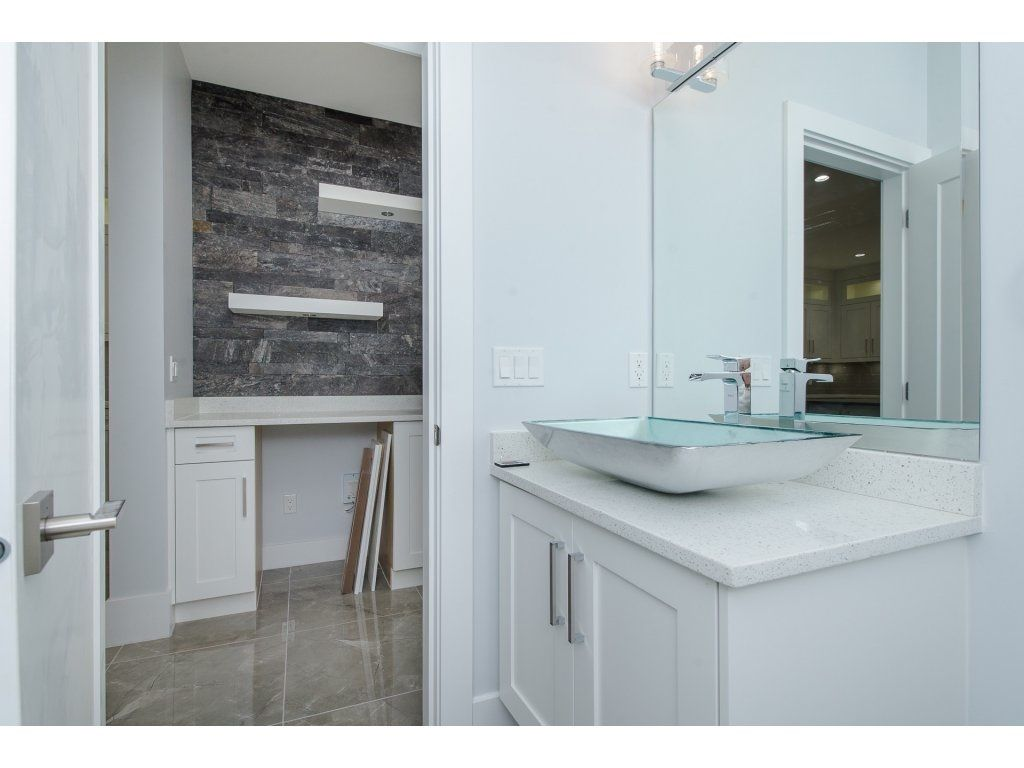 "Photo 10: Photos: 2767 AQUILA Drive in Abbotsford: Abbotsford East House for sale in ""EAGLE MOUNTAIN"" : MLS®# R2229144"