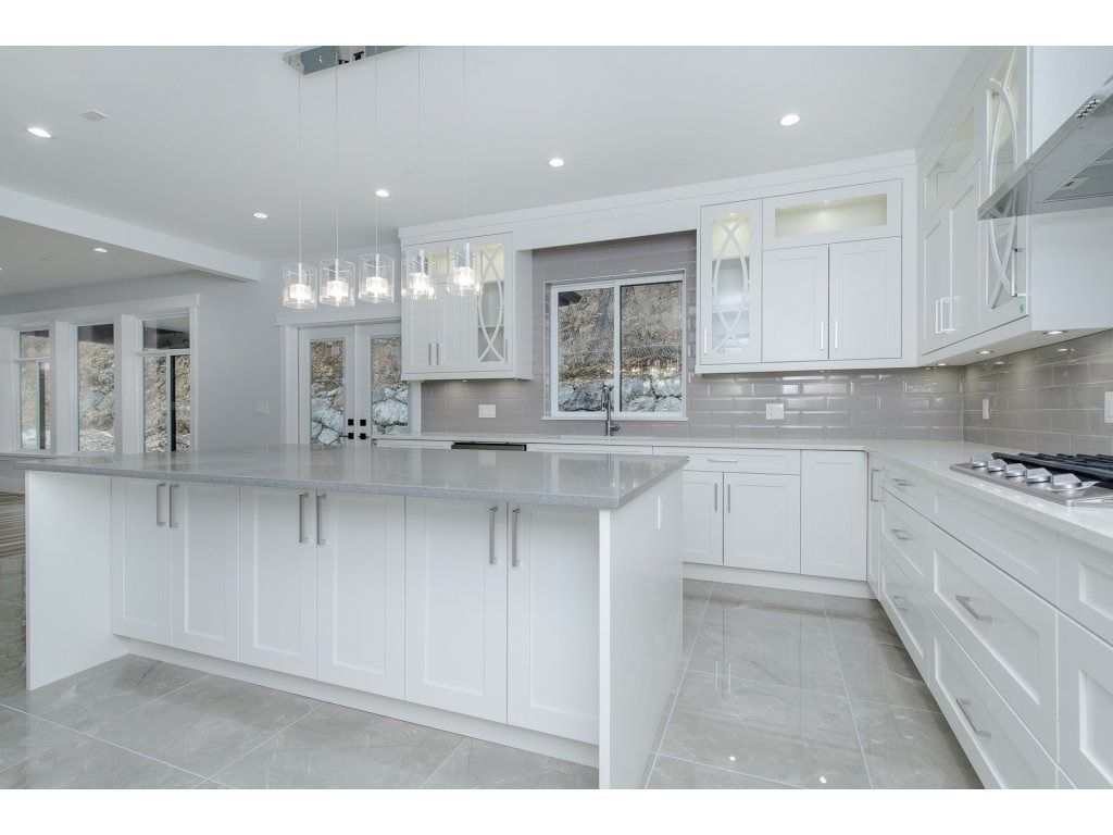"Photo 9: Photos: 2767 AQUILA Drive in Abbotsford: Abbotsford East House for sale in ""EAGLE MOUNTAIN"" : MLS®# R2229144"