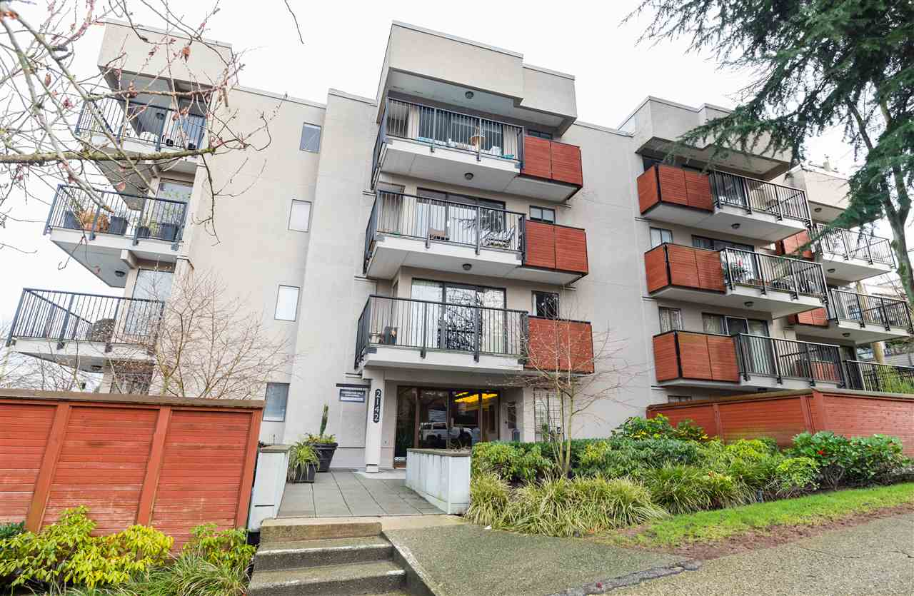 Main Photo: 402 2142 CAROLINA Street in Vancouver: Mount Pleasant VE Condo for sale (Vancouver East)  : MLS® # R2239275