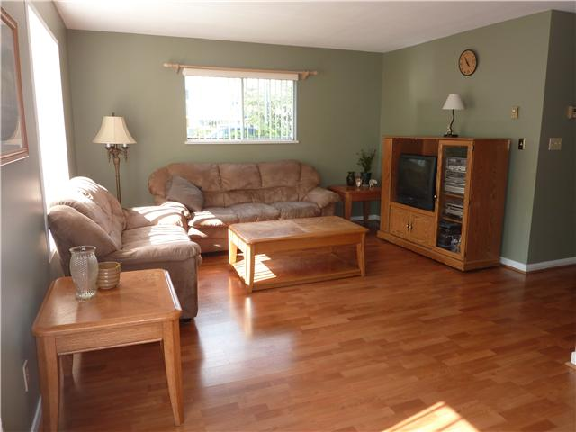 Photo 2: 1 20630 118TH Avenue in Maple Ridge: Southwest Maple Ridge Townhouse for sale : MLS(r) # V898093