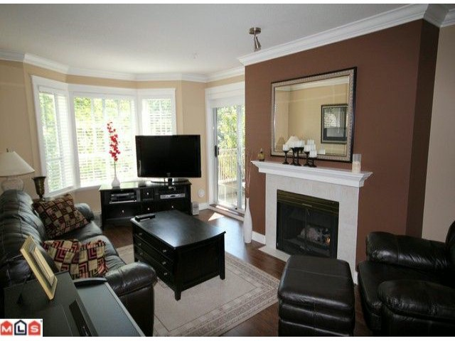 "Photo 4: 310 15268 105TH Avenue in Surrey: Guildford Condo for sale in ""GEORGIAN GARDENS"" (North Surrey)  : MLS® # F1121659"