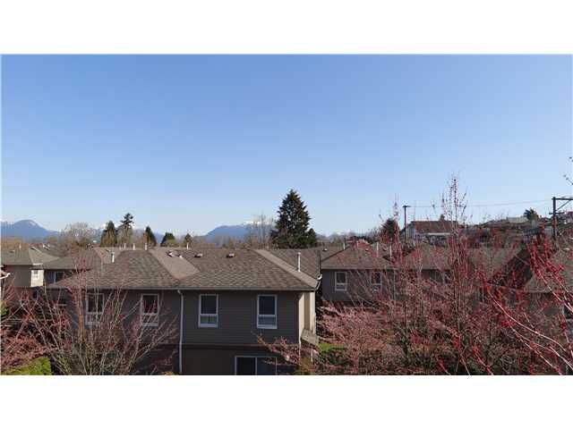 "Main Photo: # 307 3480 YARDLEY AV in Vancouver: Collingwood VE Condo for sale in ""COLLINGWOOD"" (Vancouver East)"