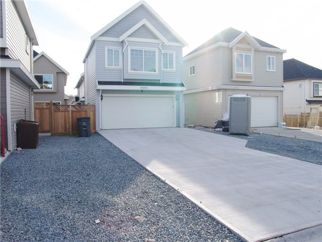 "Photo 16: 19071 67A Avenue in Surrey: Clayton House for sale in ""Clayton Hill"" (Cloverdale)  : MLS(r) # F1326477"