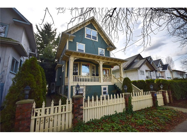 "Main Photo: 1552 E 10TH Avenue in Vancouver: Grandview VE House for sale in ""COMMERCIAL DRIVE"" (Vancouver East)  : MLS(r) # V1049158"