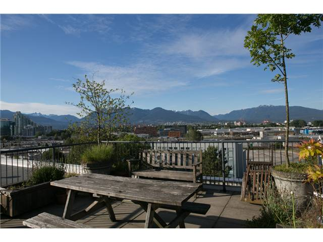 "Photo 11: 313 350 E 2ND Avenue in Vancouver: Mount Pleasant VE Condo for sale in ""MAINSPACE"" (Vancouver East)  : MLS® # V1057358"
