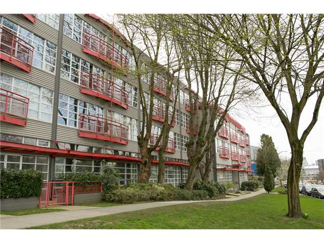 "Main Photo: 313 350 E 2ND Avenue in Vancouver: Mount Pleasant VE Condo for sale in ""MAINSPACE"" (Vancouver East)  : MLS® # V1057358"