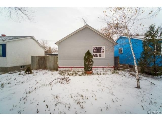 Main Photo: 216 W Harold Avenue in WINNIPEG: Transcona Residential for sale (North East Winnipeg)  : MLS(r) # 1428697
