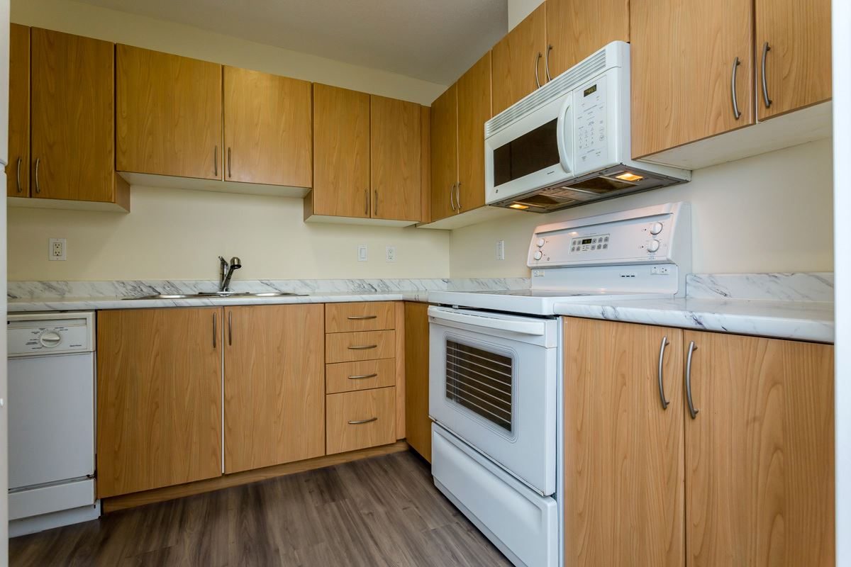 "Photo 15: 17 5839 PANORAMA Drive in Surrey: Sullivan Station Townhouse for sale in ""Forest Gate"" : MLS(r) # R2046887"