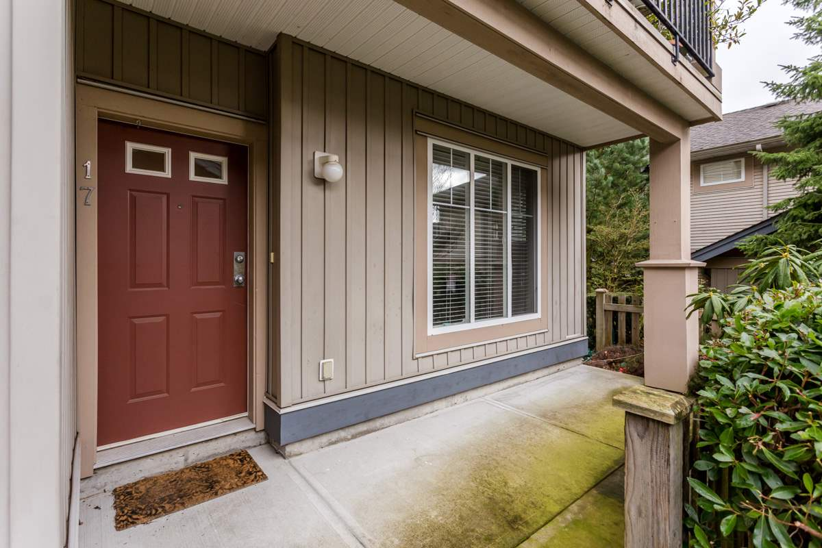 "Photo 3: 17 5839 PANORAMA Drive in Surrey: Sullivan Station Townhouse for sale in ""Forest Gate"" : MLS(r) # R2046887"