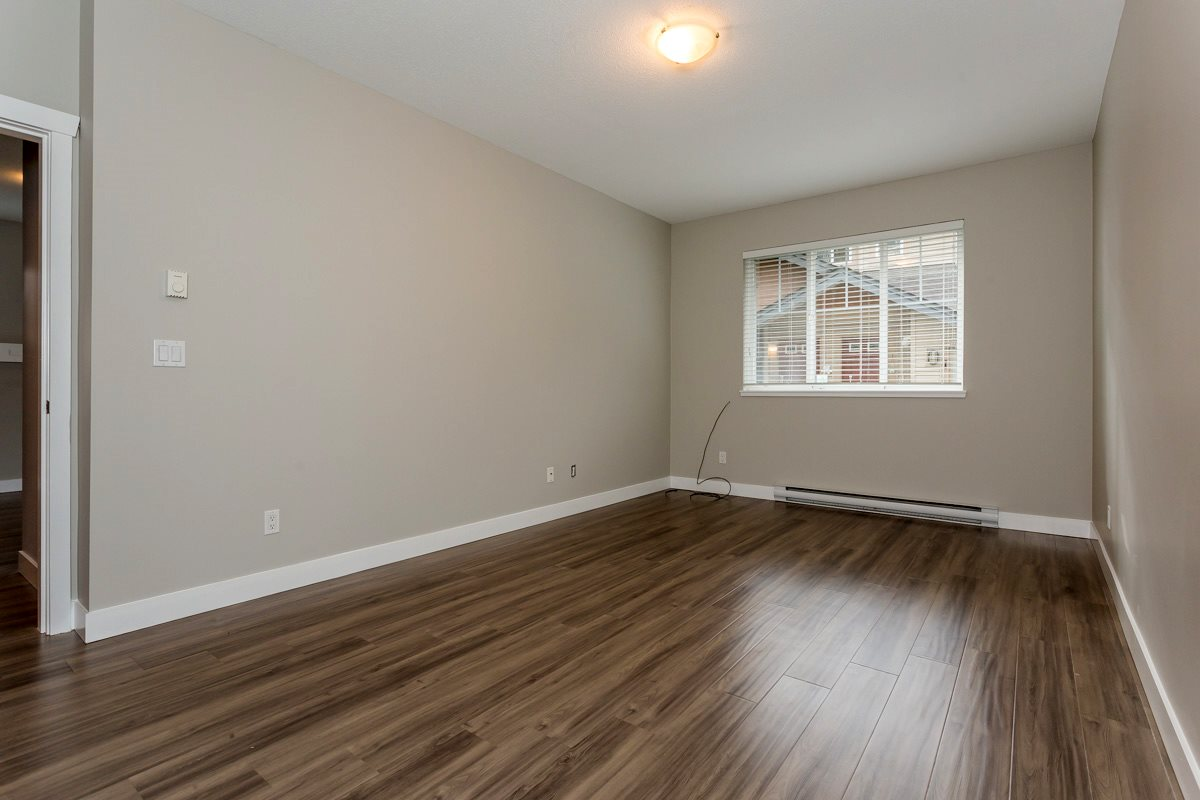 "Photo 16: 17 5839 PANORAMA Drive in Surrey: Sullivan Station Townhouse for sale in ""Forest Gate"" : MLS(r) # R2046887"